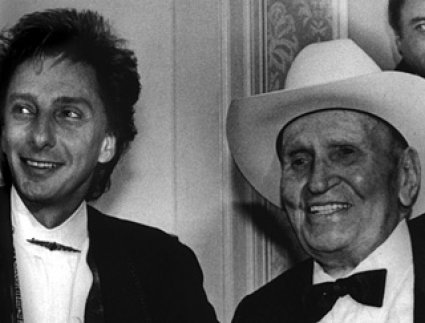 1991 honored such diverse winners as Barry Manilow, Hitmaker Award recipient and the legendary Gene Autry, Lifetime Achievement Award winner.