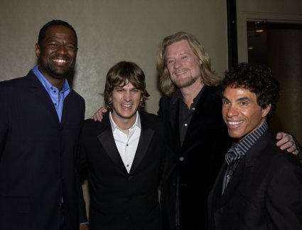 Brian McKnight, Rob Thomas, Dayl Hall, and John Oates