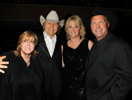 Linda Moran, Dwight Yoakam, Trisha Yearwood, and Garth Brooks