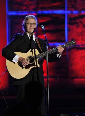 Steve Miller performs for Gordon Lightfoot