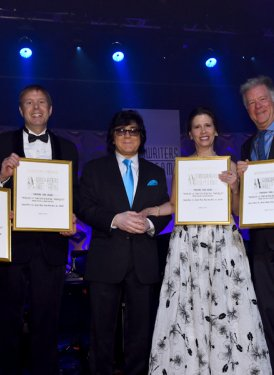 Claire Creatore, Peter Raleigh, John Titta, Caroline Bienstock and David Hirshland accepting Towering Song Award