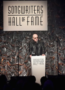 Bernie Taupin presents for Willie Dixon Induction