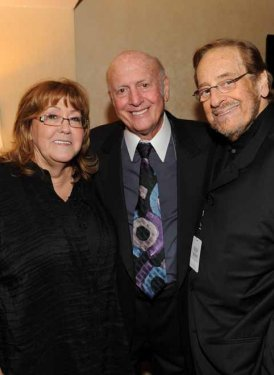 Linda Moran, Mike Stoller and SHOF Show producer Phil Ramone