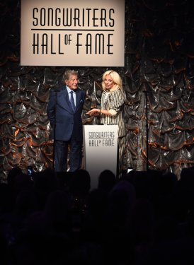 Tony Bennett presents Contemporary Icon Award to Lady Gaga