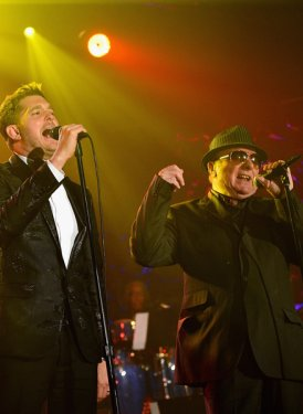 "Michael Buble and Van Morrison perform ""Moondance"""