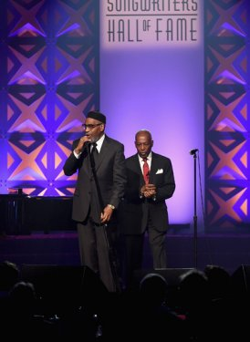 Kenneth Gamble and Leon Huff close the show!