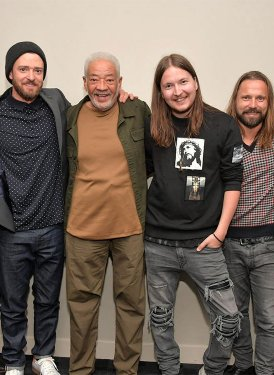 From left: SHOF Board Member and West Coast Events Chair Mary Jo Mennella, Justin Timberlake, SHOF Inductee Bill Withers, Shellback, Max Martin and SHOF Board Member and UMPG President Evan Lamberg